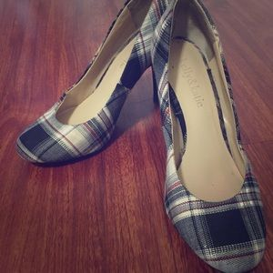 Plaid Kelly & Katie Pumps size 6